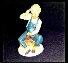 Shoe Cobbler Figurine AB 682 Vintage - $59.35