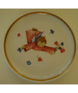 Berta Hummel Miniature Plate, Angel with Flowers - $12.00