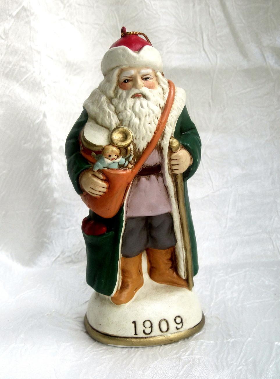 Christmas eve inc santa claus figurine ornament