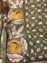 Nuts Leaves Border Tablecloth in Green And Gold Grandmas Estate 86 X 66 ... - €41,67 EUR
