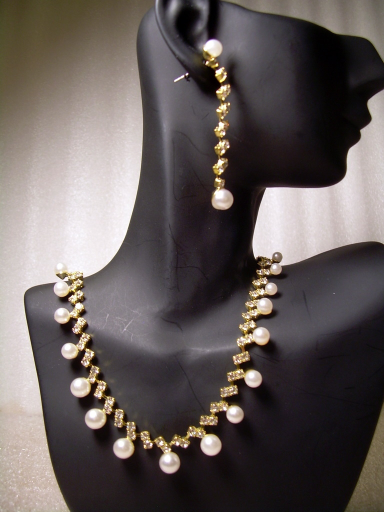 GENUINE AUSTRIAN CRYSTAL JEWELRY SET Faux Pearls Gold-tone *NEW* Free ship!!