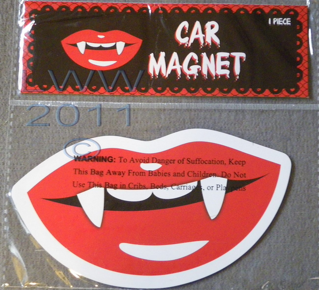 Vampire Lips Fangs-shaped car Magnet in package