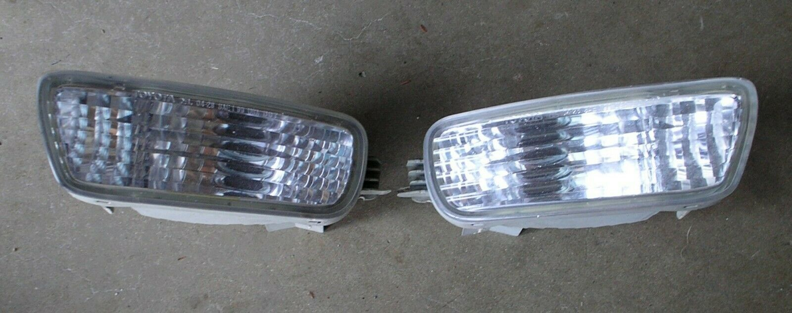 Toyota Tacoma 01-04 Truck Set of Front Signal Marker Lights Lamps & Housing