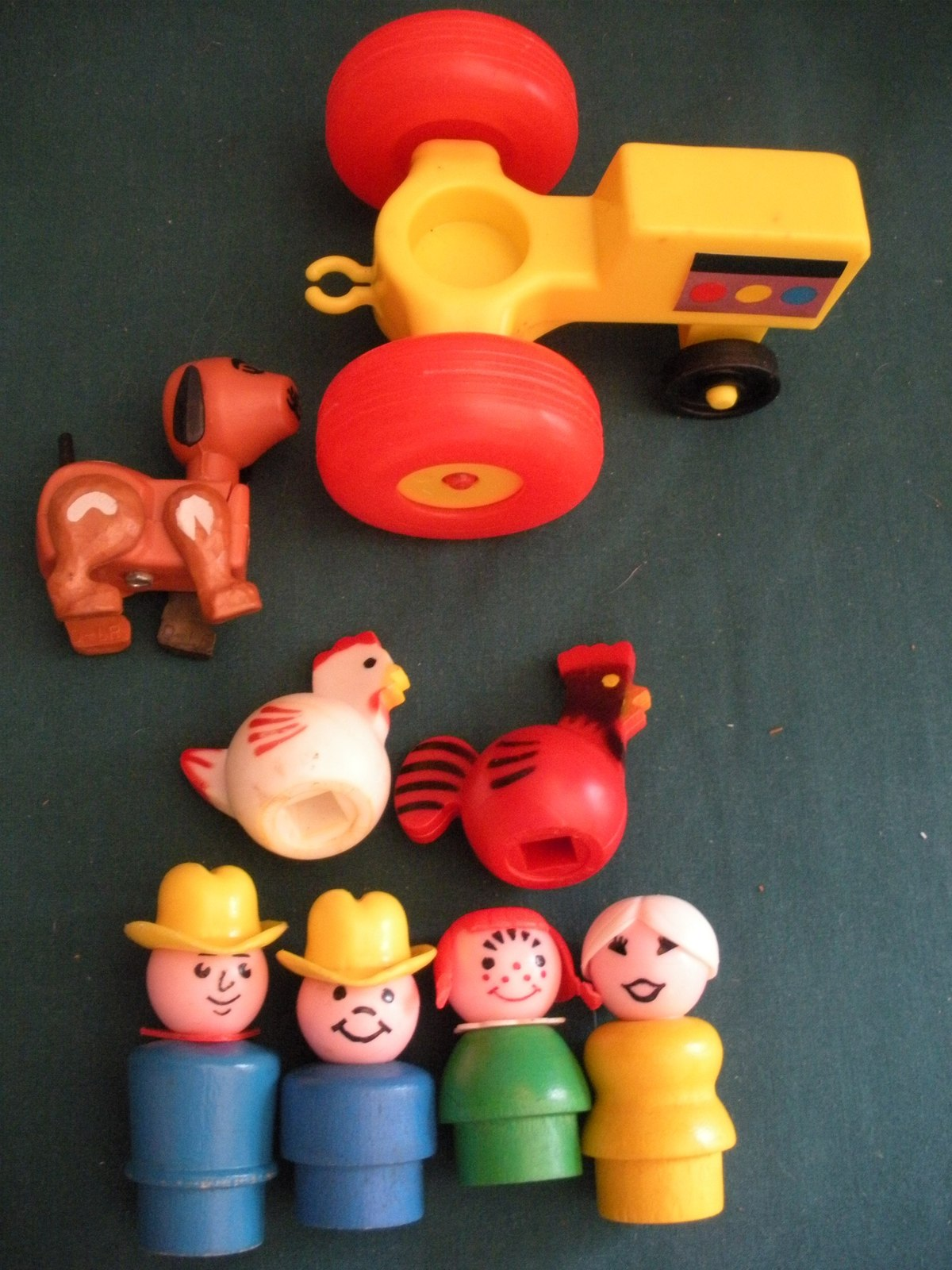 Vtg. Fisher Price Play Family #915 Farm w/ Hex Animals and Wood LP/VG++-EXC! (F)