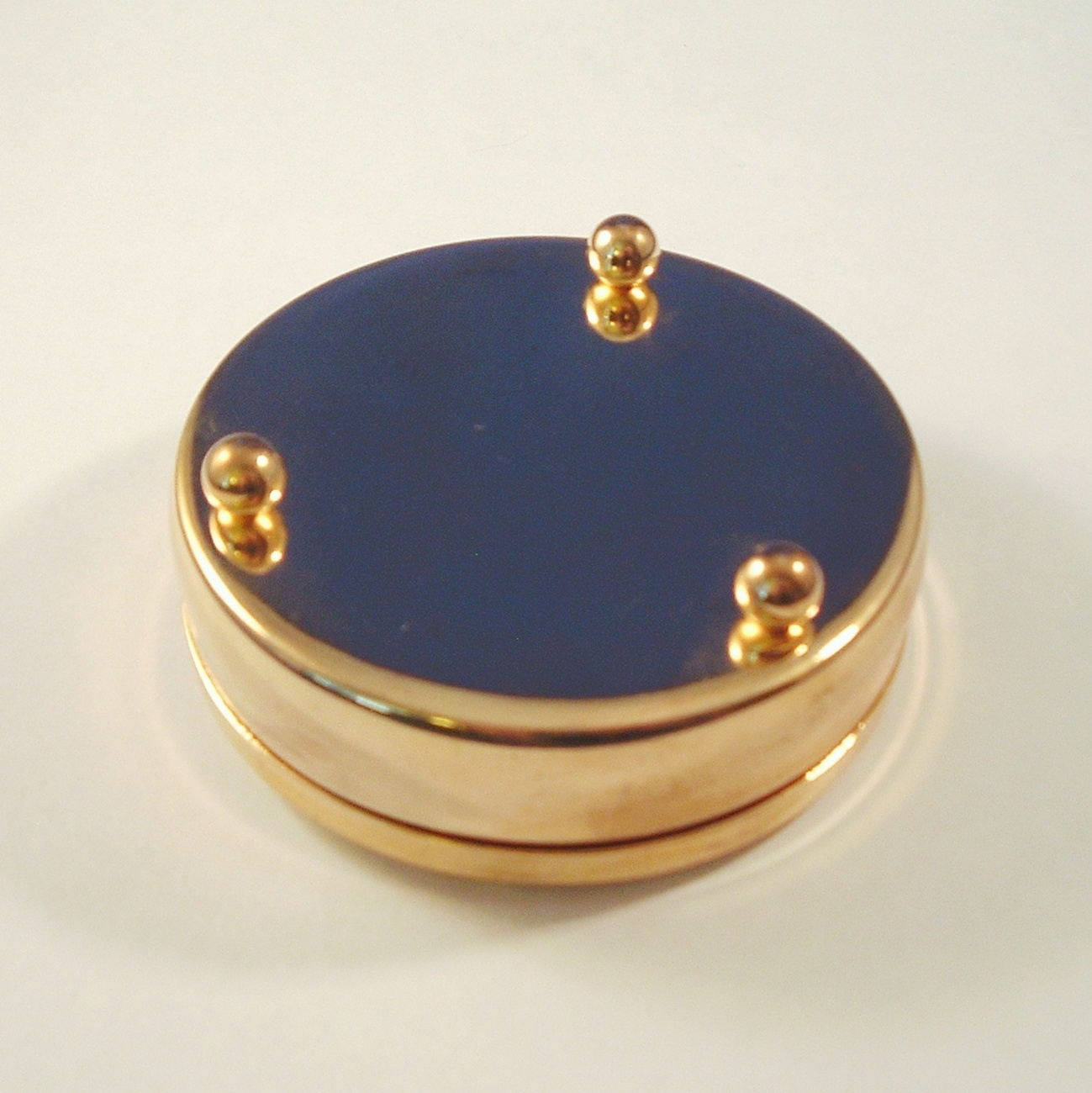 VACATION Scene Trinket Box Goldtone Collectible
