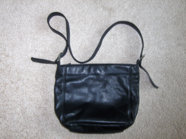 Tignanello Black Pebble Grain Leather Bucket Hobo Handbag Purse
