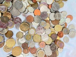 +9 lbs Foreign Coins Bulk World Token Tax Gaming Older Coins Lot Souvenir image 8