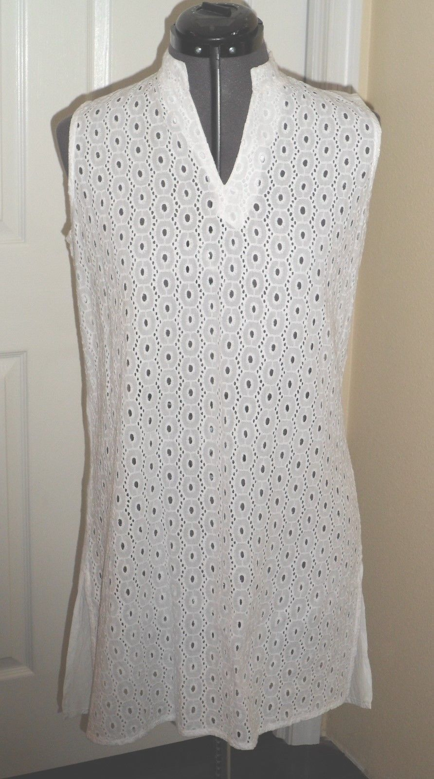 SIGNATURE SWIM COVER UP TUNIC/DRESS SIZE S - M WHITE GREEN EYELET NWT