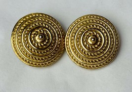 Vintage Sarah Coventry Gold Tone Round Dome Rope Clip On Earrings - $9.50
