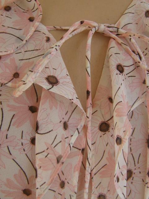 SILK pink Daisy Chiffon Bob Mackie Ruffle Poet Top S