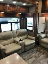 2016 Mobile Suites 5th Wheel 36RSSB3 FOR SALE IN Nampa, ID 83686 image 8