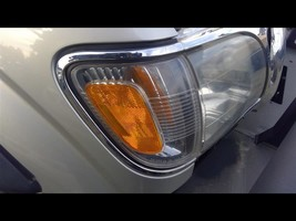 2001-2004 Toyota Tacoma, Passenger RH Right Turn Signal Light - $44.55