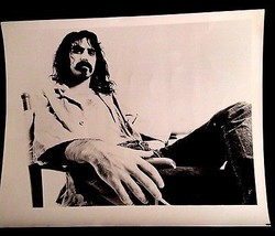 1977 FRANK ZAPPA GENUINE GLOSSY 8X10 INCHES PHOTO MOTHERS OF INVENTION B... - $22.22