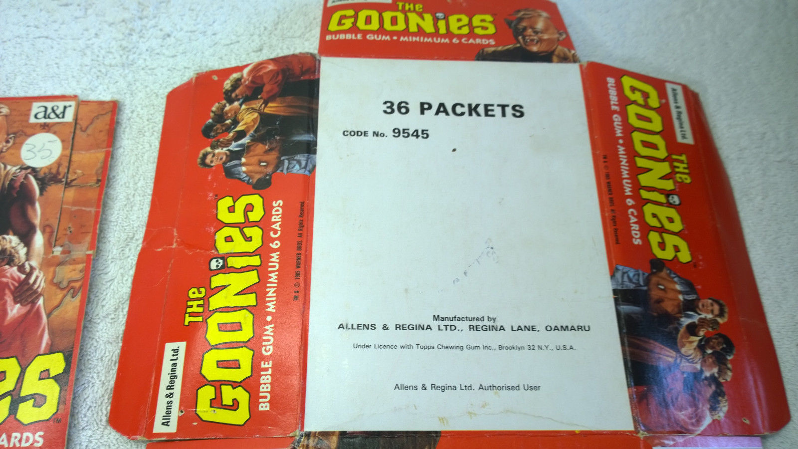 1985 Goonies Trading Card Set Foreign Allens & Regina New Zealand + Counter Box