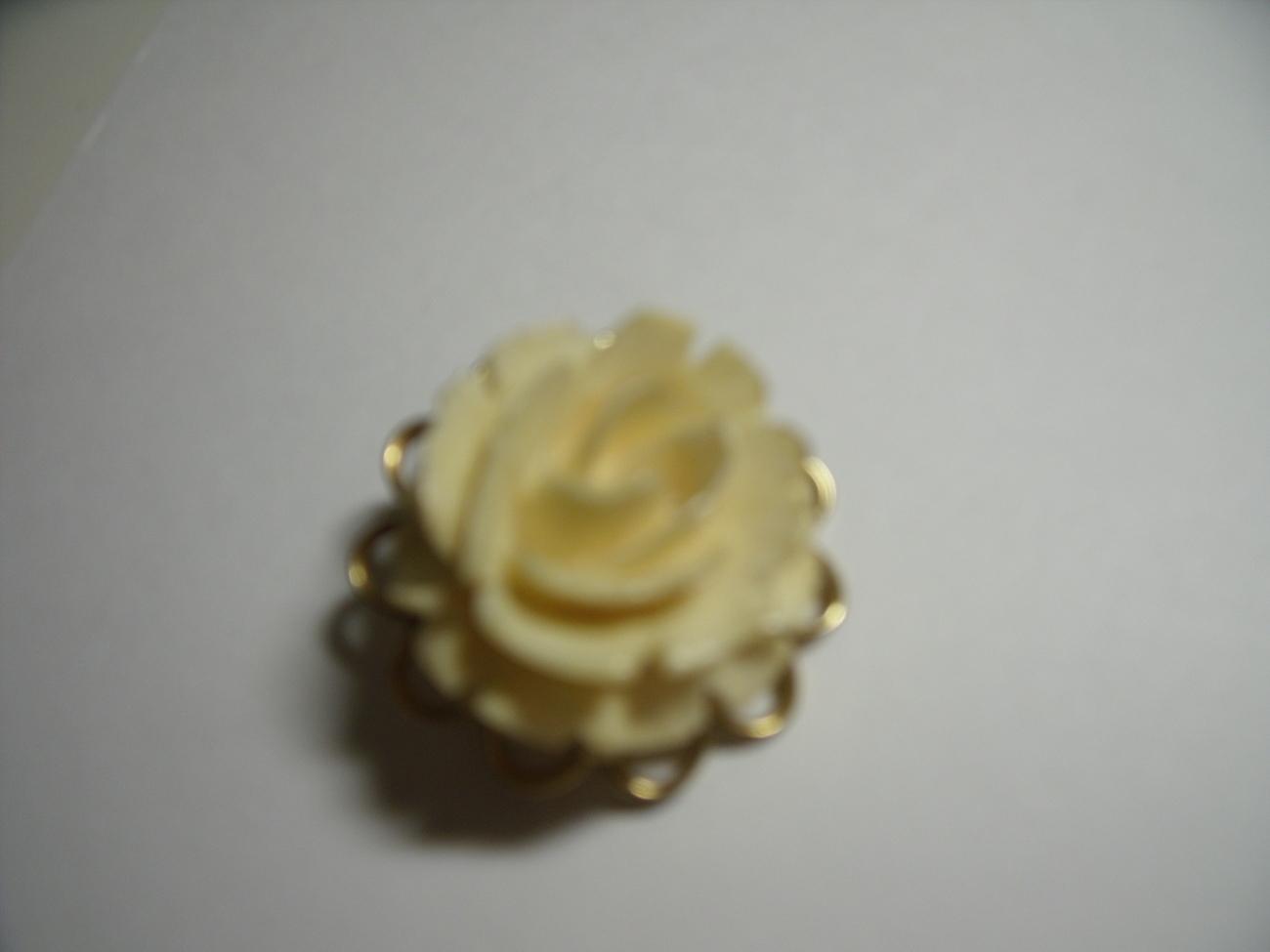 Pin w wh rose