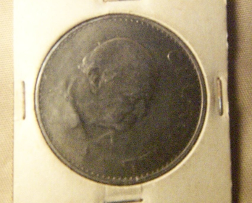 Winston Churchill Commemorative Coin  Uncirculated 1965