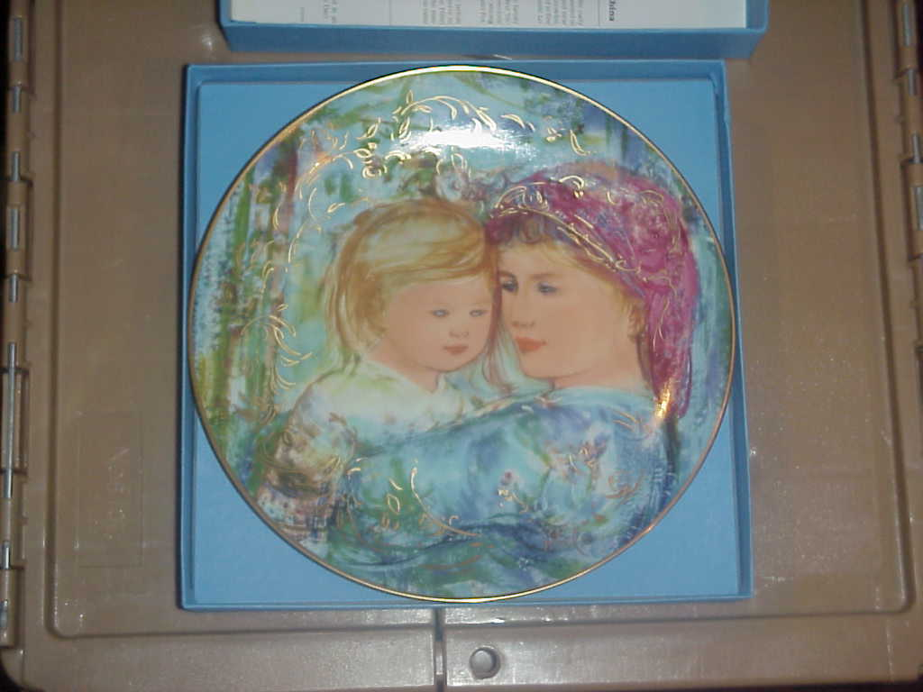"Edna Hibel  Mother's Day Plate  ""Michele & Anna"""