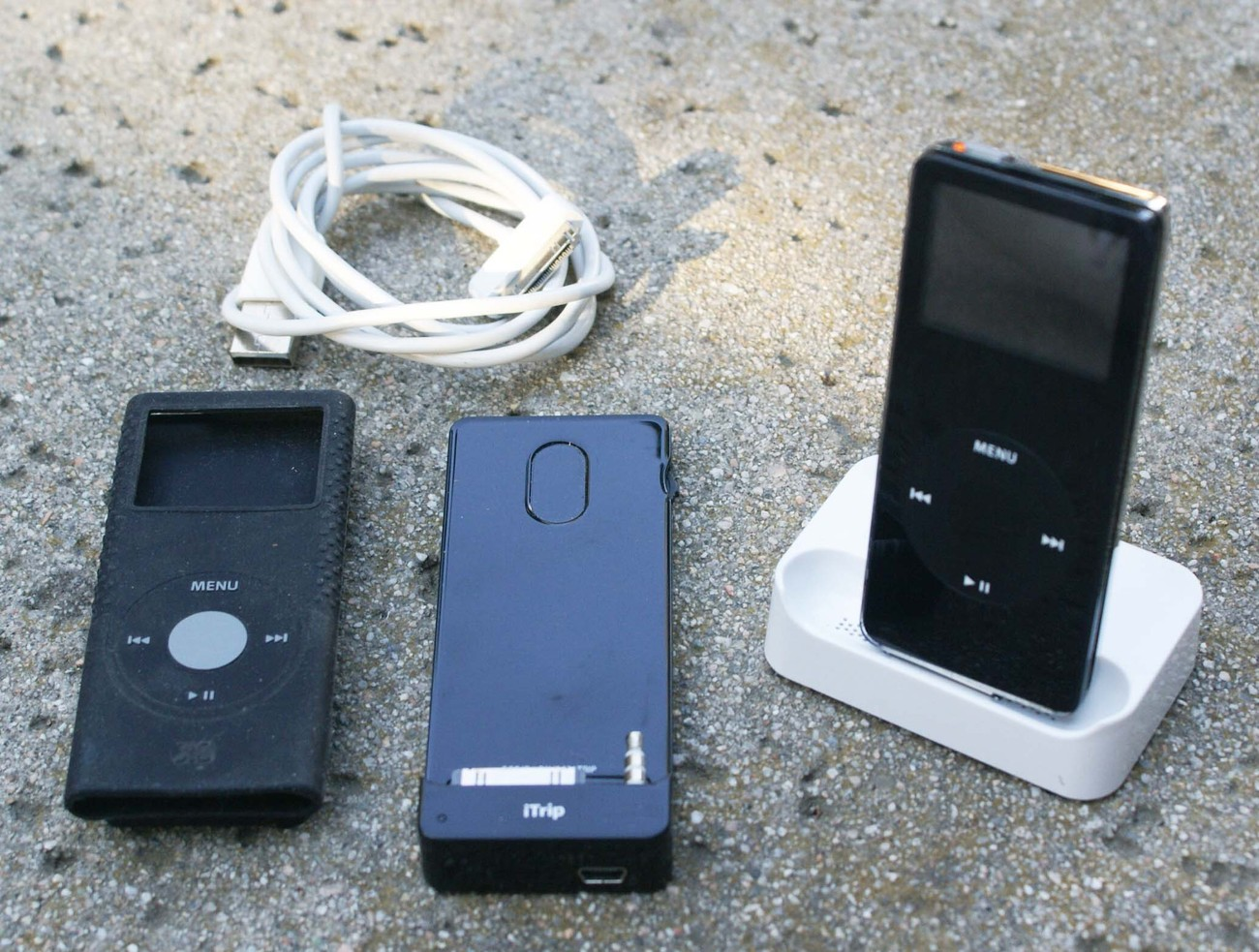 apple ipod nano 4 gb black 1st generation ipods mp3. Black Bedroom Furniture Sets. Home Design Ideas