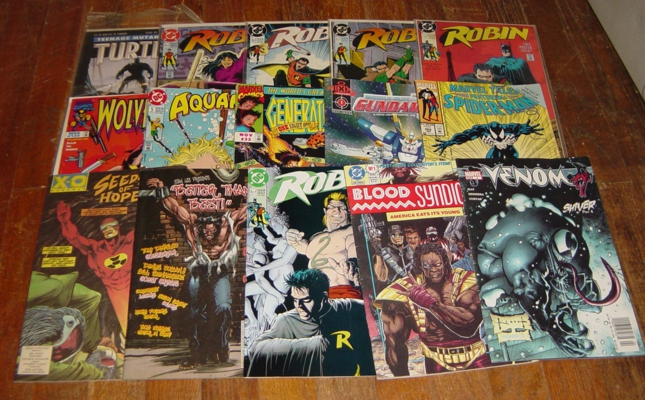 Mixed Lot 16 Comic Books Heroes Stan Lee DC Marvel Spider Man Robin Super Heroes