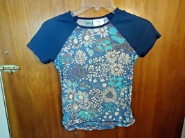 """Girls Old Navy Size M Short Sleeve Multi Color Floral Top """" CUTE TOP """" - $10.39"""