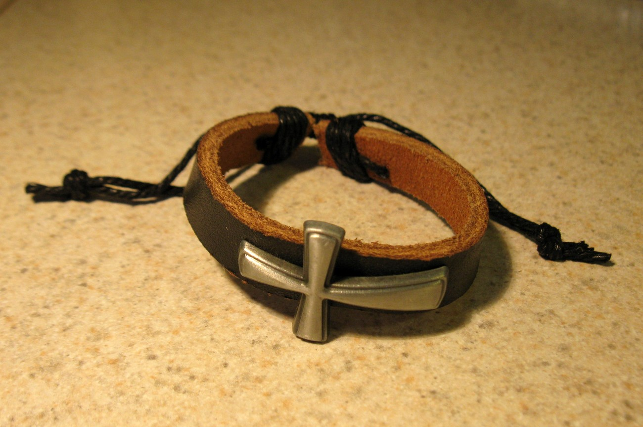BRACELET LEATHER & HEMP CORD PUNK BLACK CROSS CHARM #203