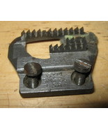 Singer 15-86 _ 87 Twelve Teeth Feeddog #15279 w/ 2 Screws - $7.94 CAD