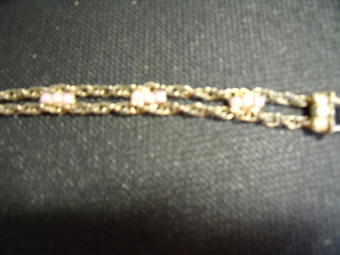Bracelet in goldtonewith pink stones - Vintage
