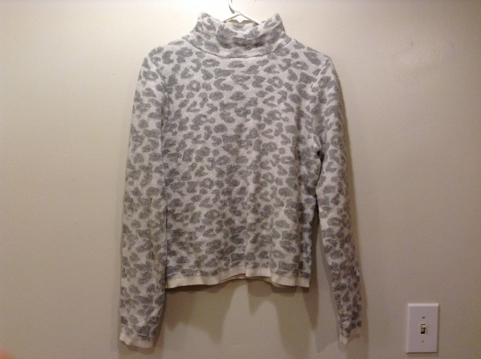 Ann Taylor LOFT Ivory Colored Crew Neck Sweater Sz M