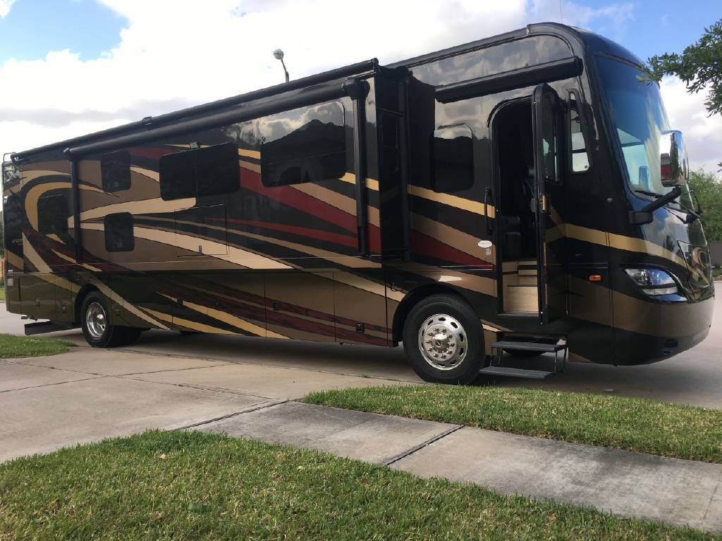 2017 COACHMEN SPORTSCOACH CROSS COUNTRY 407FW For Sale In League City, TX 77573