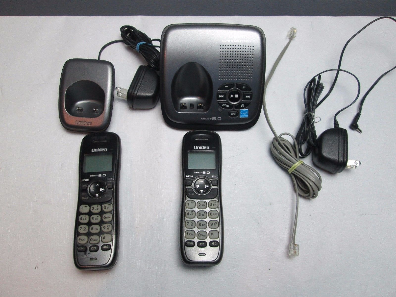 Uniden DECT1480-3 1.9 GHz Two Handsets Single Line Cordless Phone image 2