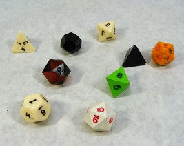 VINT 1970'S DUNGEONS AND DRAGONS D&D MINIATURES GAME DICE LOT - $39.59