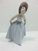 Lladro Figurine 6274 Daisy, Mint, Retired, Girl w Hat & Blue Dress origi... - $125.38