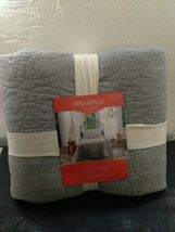 Opalhouse Stitched Medallion Quilt - Gray - Size:Twin - new with tags - STORE image 8