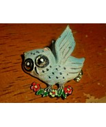 VINTAGE SUGAR COATED OWL BROOCH-PIN 1960's BLUE & WHITE BIG EYED OWL ON BRANCH - $15.72