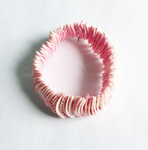 Pink Shell Stretch Bracelet Great Beachware - $3.85