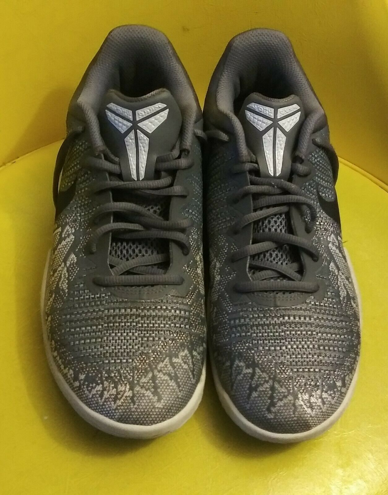 NIKE Kobe Mamba Rage Basketball Shoe 908972-011 Size US 8 / EUR 41