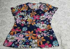 Womens Dickies Flowery  Scrub top Size small - $12.86