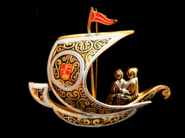 Vtg Damascene Spain Spanish ship pin brooch jewelery black red silver go... - $12.82