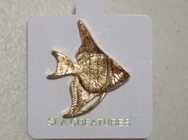 NEW SEA CREATURES OCEAN TROPICAL ANGELFISH LAPEL HAT PIN GOLD TONE - $7.79