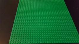 Lego Minotairus Set # 3841 Replacement 32 X 32 Green Plate Item # 4219692 - $7.92