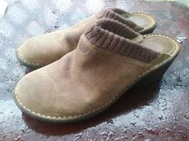 UGG Australia Size 12 Tan Brown Leather Slip on Clogs S/N 3085 Women's  - $682,27 MXN