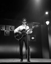 Roy Orbison Vintage 11X14 BW Music Memorabilia Photo - $13.95