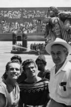 Charlton Heston and Stephen Boyd and William Wyler in Ben-Hur On Set 18x24 Poste - $23.99