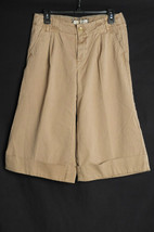 Women's Old Navy Khaki Capri Cropped Pants Size  6 Classic Rise Cuffed Bottoms - $9.99