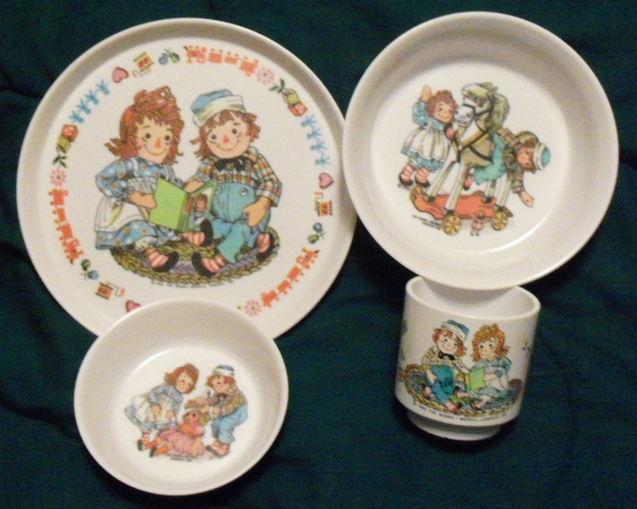 Primary image for Vintage Raggedy Ann Andy Oneida Melamine Plate Bowl Cup Set 4 pieces