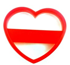 Wilton HEART Red Plastic Cookie Cutter 1993 2303-0100 Love Valentine's Day - $3.24 CAD