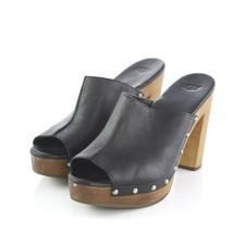 UGG Black Studded Leather Platform Heels Sandals Slides Womens 8 Style 1... - £40.18 GBP