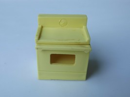 Vintage Fisher Price Little People Yellow Stove Oven #729 909 929 - $5.00