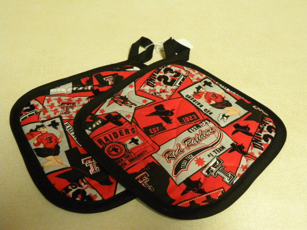 Primary image for Red Raiders Pot Holder Set