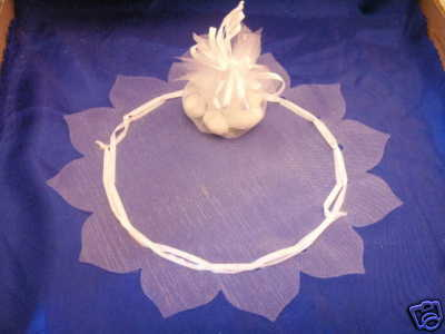 "24 pc white organza circle 12"" w/tie ribbon flower edge"